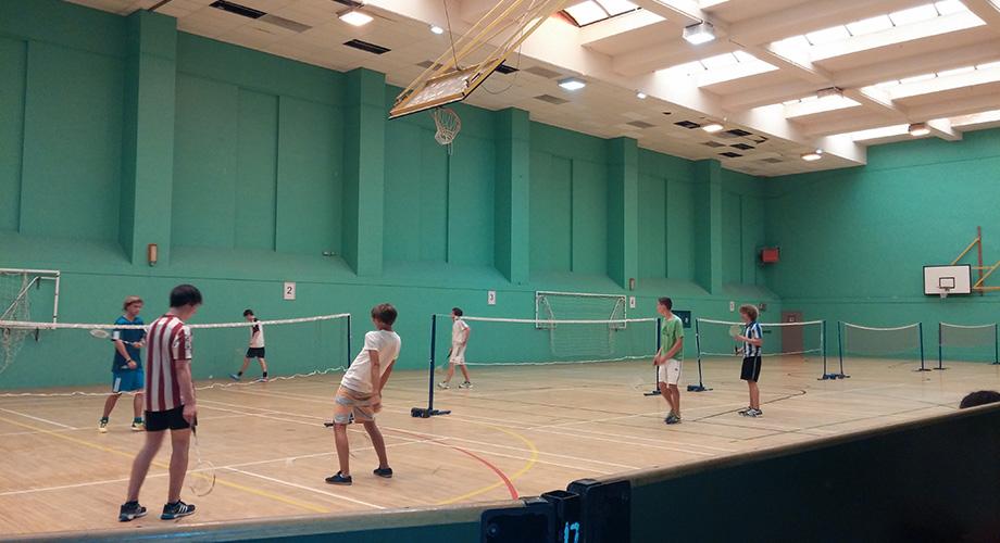 img-alumnos-badminton