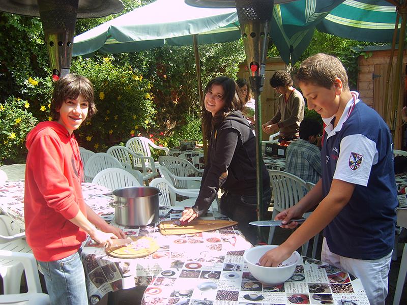 img-alumnos-mesa