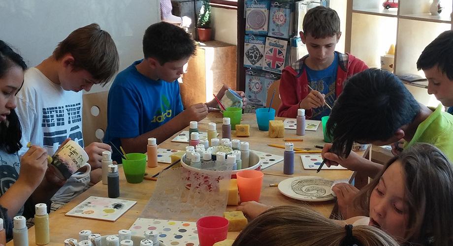 img-alumnos-pintando